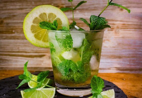 ¿Por qué sí se deben mezclar bebidas? El ron y sus combinaciones para los mejores cócteles