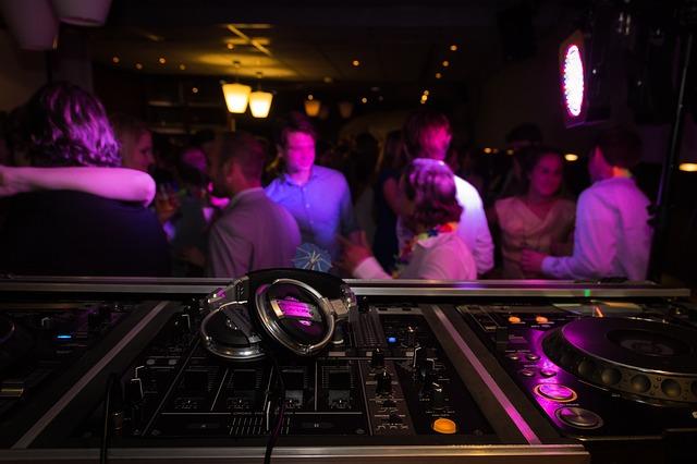Fiestas temáticas en discotecas de la capital. Cómo y por qué organizarlas.