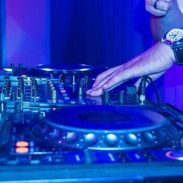Música electrónica para bailar en discotecas
